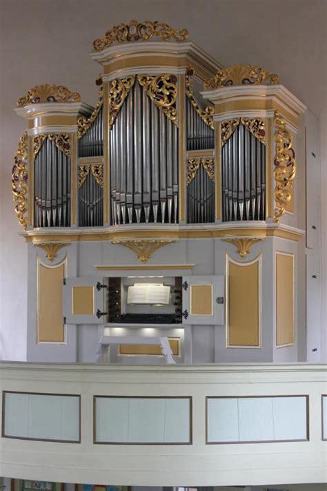 orgel für zuhause orgel des monats steht im s 195 164 chsischen crostau der