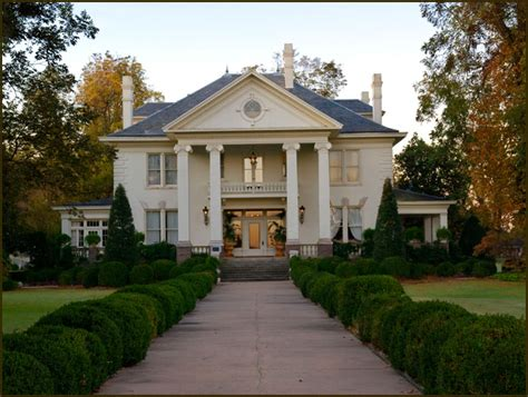 southern plantation style homes southern style plantation home dream home pinterest
