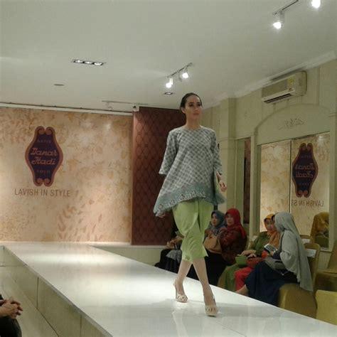 Batik Danar Hadi Melawai danar hadi gelar talk show dan fashion show di bandung arcom media