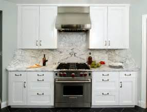 how to clean kitchen cabinet