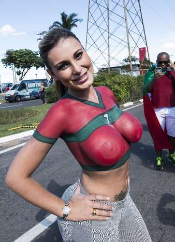 andressa urach portugal body paint rumberos net tu magazine de espect 225 culos y entretenimiento