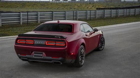 widebody demon widebody dodge challenger hellcat borrows from demon