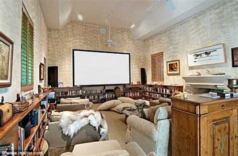 bill gates living room bill gates rents 600 000 a month mansion for his daughter