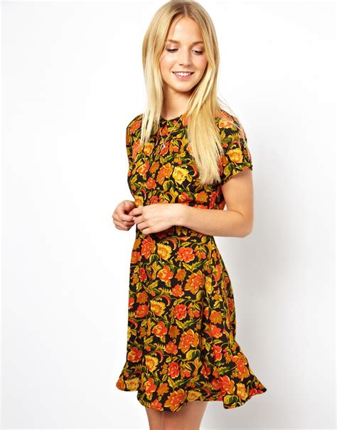 Pretty Casual Day Dress: Floral Skater Dress With Collar and Pintucks   Pretty Designs