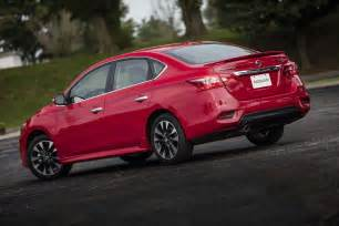 Nissan Sentras 2017 Nissan Sentra Reviews And Rating Motor Trend