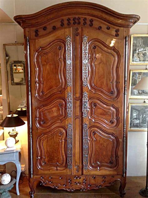 armoire provencale armoire proven 231 ale xviii 232 me si 232 cle en noyer armoires