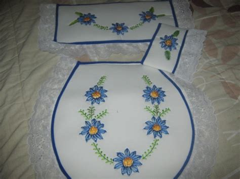 como hacer bordados con flores de liston cinta seda matizadas bordado cintas aprender manualidades