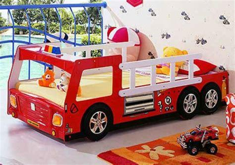 Kinderzimmer Gestalten Junge Feuerwehr kinderzimmer gestalten 20 kinderbetten f 252 r jungs wie