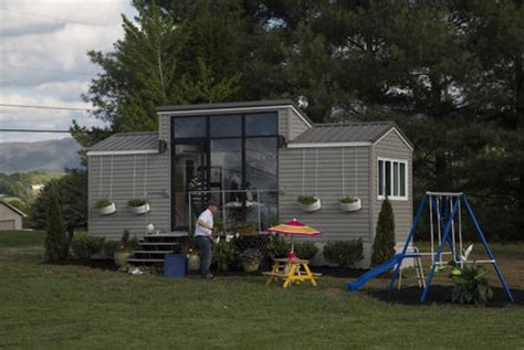 tiny homes show tiny house nation tv show review lifeedited