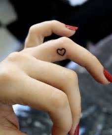 tattoo on finger pinterest pretty heart tattoo on the ring finger tattoos