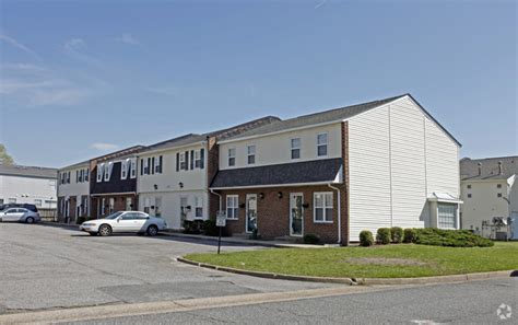 one bedroom apartments in chesapeake va crossroads townhomes rentals chesapeake va apartments com