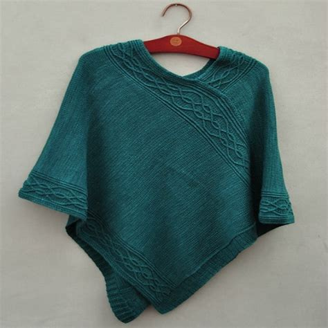knitting a poncho for beginners knitted poncho patterns with tutorial for beginners