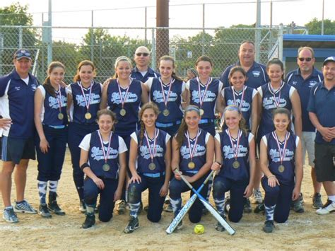 garden city family health team bellmore bluefire softball team wins memorial day