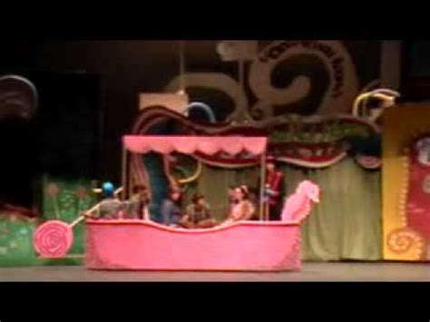 willy wonka boat scene odcs drama willy wonka boat scene youtube