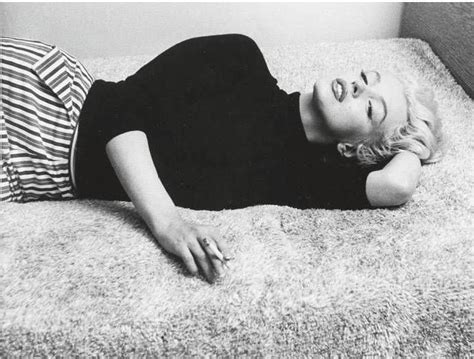 smoking in bed marilyn monroe smoking in bed vintages everyday