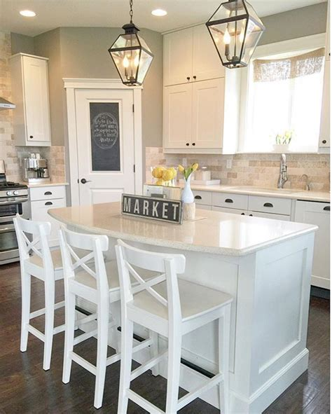 white kitchen island with stools best 25 kitchen island with stools ideas on
