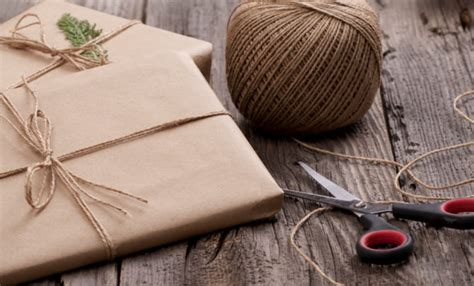 7 cheap and easy gift wrap ideas smarty cents