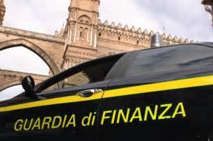 banca etruria ultimissime blitz antidroga della finanza arresti al capo e allo zen