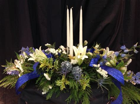blue flower centerpiece blue centerpiece with candle williamsburg floral