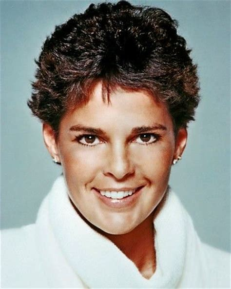 ali mcgraw short cut with bangs 37 best ali macgraw images on pinterest ali macgraw
