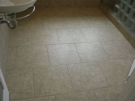 bodenfliesen muster recommended pattern offset for 18x18 tile on bathroom