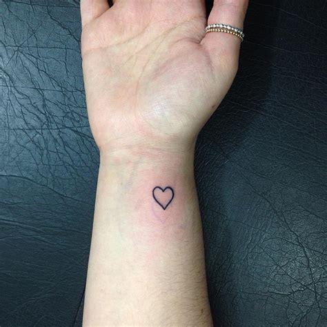 tatuagens no pulso 60 inspira 231 245 es para voc 234 fazer a sua