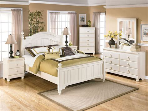 white queen bedroom sets fairfield 5pcs traditional cottage white queen king poster
