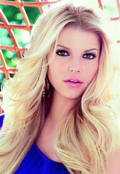 is jessica simpson a natural blonde jessica looking good with the pink tint lips celebrities