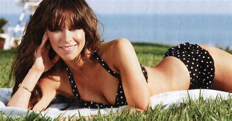 Jennifer Love Hewitt Bikini by Jennifer Love Hewitt Bikini Pictures