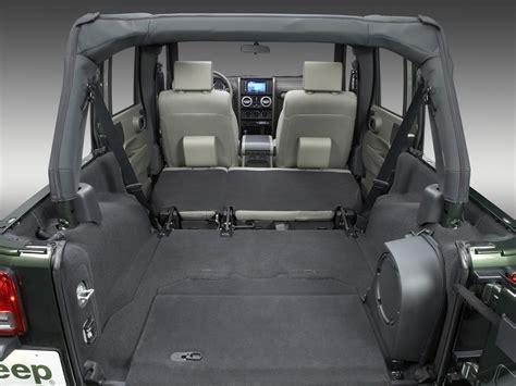 jeep inside view interior 2007 10 jeep wrangler unlimited sahara north