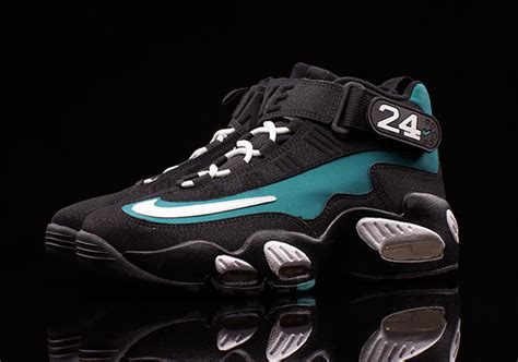 ken griffey jr shoes get the style the baseball player and ken griffey jr