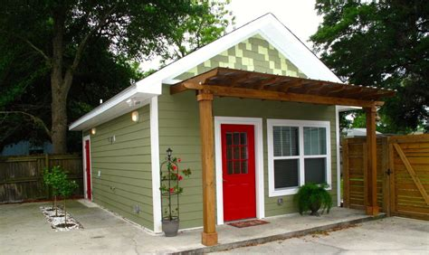 tiny houses for rent newly constructed tiny house for rent in lakeview east