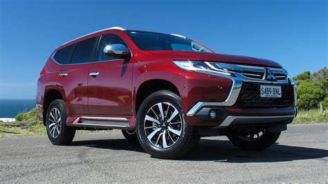 mitsubishi pajero sport 2017 mitsubishi pajero sport exceed 7 seat 2017 review carsguide