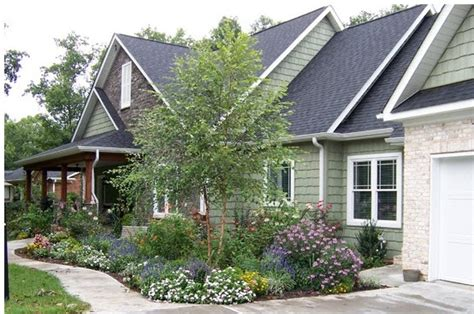 10 creative landscaping ideas for new home construction in