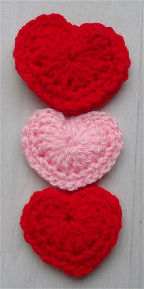 ravelry patterns library little hearts ravelry little puffed heart pattern by thomasina cummings