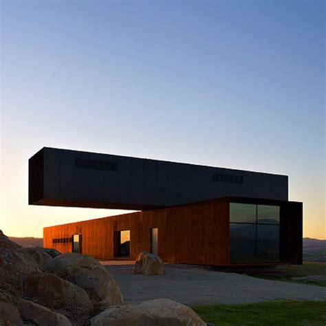 cantilever homes 20 beautiful and modern cantilevered buildings from all