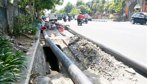 Pipa Maspion Di Bali nusabali dikeluhkan pipa pdam di bawah trotoar