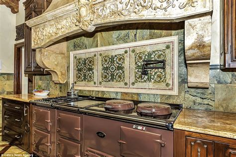 Kitchen Cabinets Dallas Texas Texas Mansion Boasts 120k Aga Oven Giant Marble Vent And