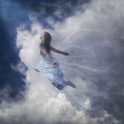 un recuerdo de luz dream about flying flying dreams meaning go to dreams