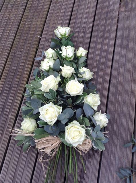 Funeral Flowers by 25 Best Ideas About Funeral Flowers On