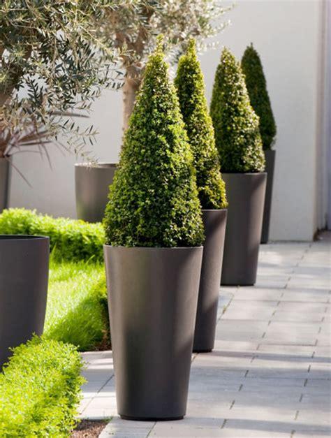 Alto tall round tapered outdoor planter pot nova68 modern design