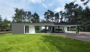 Bungalow Design Modern Bungalow Design In Cubic Volume Visual Effect