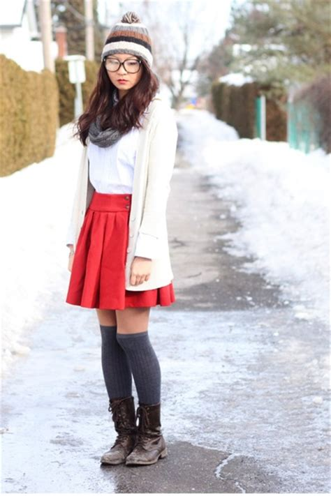 ruby skirts brown boots gray socks white