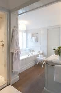 Classic White Bathroom Design And Ideas White Classic Bathroom Pictures Photos And Images For And