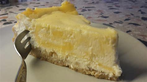 kuchen mit lemon curd cheesecake mit lemon curd f 252 llung rezept mit bild