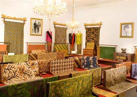 rmh batik jawa rumah batik danar hadi belanja batik khas surakarta di