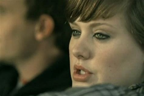 lirik lagu adele don t you remember kapanlagi com video klip adele chasing pavements