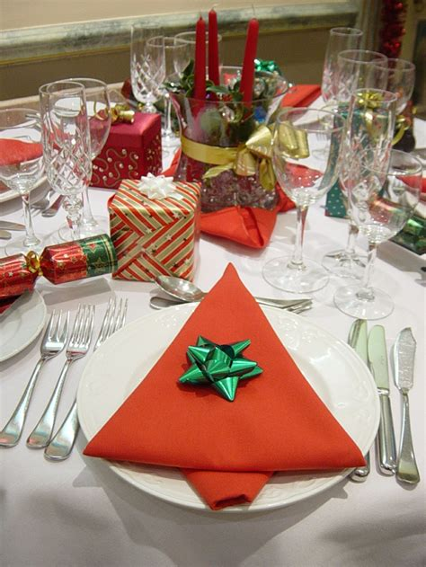 servietten falten festlich servietten falten zu weihnachten 17 ideen mit anleitungen