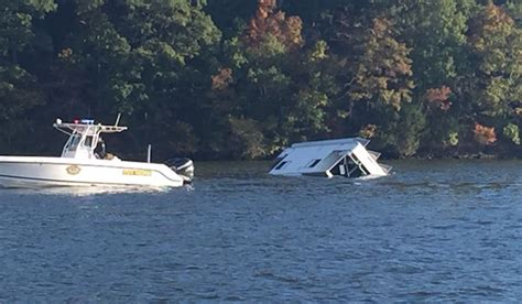 boat crash missouri breaking the wake at the lake of the ozarks