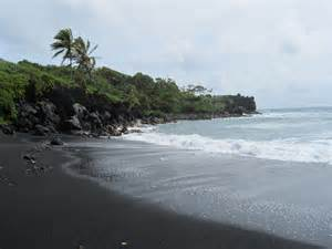 black sand hawaii black sand beach in hawaii places i ve been pinterest